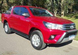 Toyota Hilux SRV Manual Pack Cuero Butacas Eléctricas  4x2